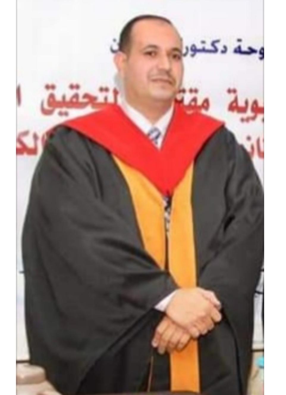 الدكتور طلال الزبن يُهنىء البروفيسور محمد الزبون بتعيينه رئيساً لقسم الأصول التربوية في الأردنية