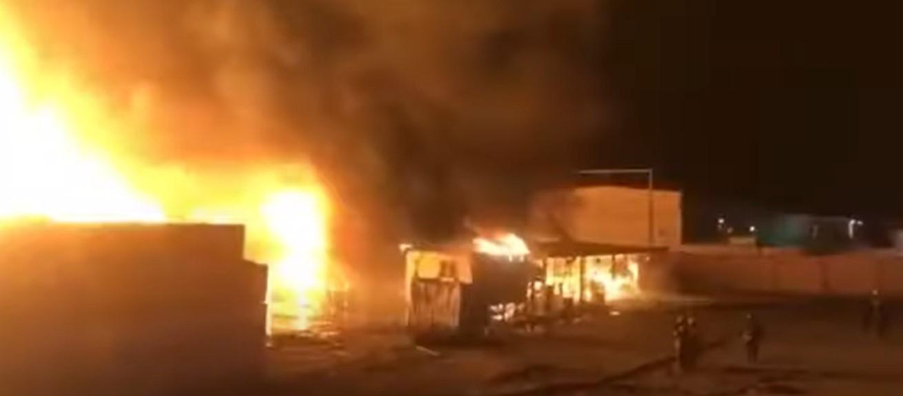 بالفيديو  ..  حريق ضخم يلتهم أكثر من 3 آلاف سيارة بالكويت  ..  تفاصيل صادمة