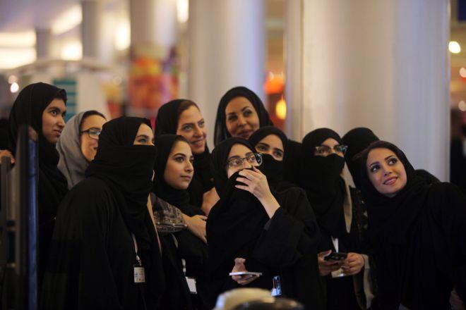 """كيف """"تغيرت"""" حياة السعوديات في أسبوع؟"""