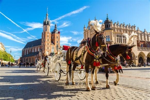 بالصور ..  لا تفوّت زيارة هذه الاماكن حين تسافرين الى بولندا!