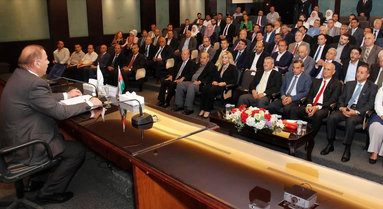 """لقاء  لأعضاء هيئة التدريس في """"عمان العربية""""  لتجويد الاداء"""