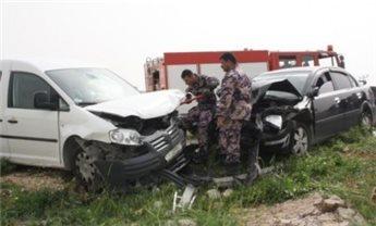 إصابة 5 أشخاص بحادث سير في قلقيلية