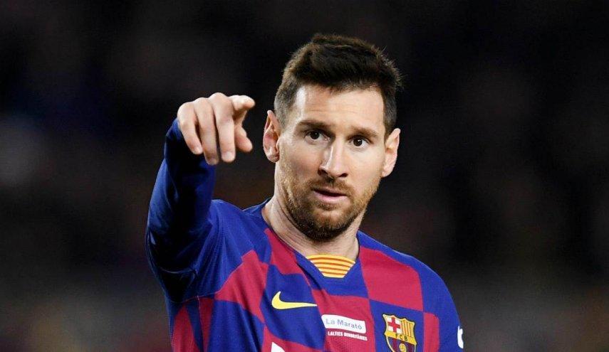 ميسي ينهي جدل التجديد لبرشلونة