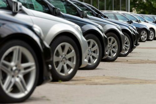 تراجع التخليص على مركبات الهايبرد 50% في 2021