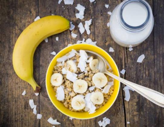 تجنبوا تناول الموز كوجبة إفطار ..  إليكم الأسباب