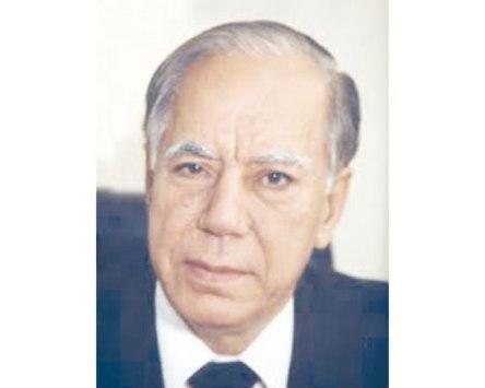وفاة الوزير الأسبق محمود السمرة