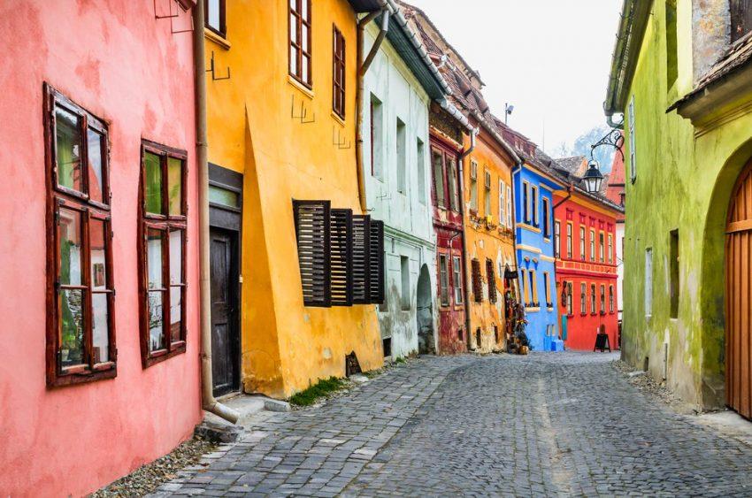 بالصور  ..  شاهد أجمل 10 صور سياحية تدفعك للسفر إلى رومانيا في يوليو