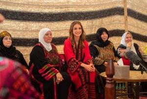 بالفيديو  ..  شاهد كيف استقبل البلقاوية الملكة رانيا