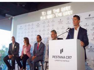 بالصور .. كريستيانو رونالدو يفتتح فندقه الأول