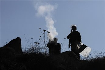 تفاصيل  .. مستوطن يطلق النار على مواطن غرب نابلس