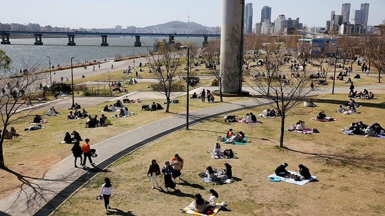 أساور إلكترونية لمنتهكي الحجر الصحي في كوريا الجنوبية