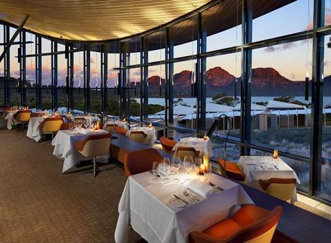 مطلوب عدد من الموظفين للعمل بأحد المطاعم العالمية في السعودية