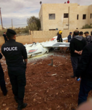بالفيديو والصور ..  سقوط طائرة تدريب في جرش ونجاة طياريها