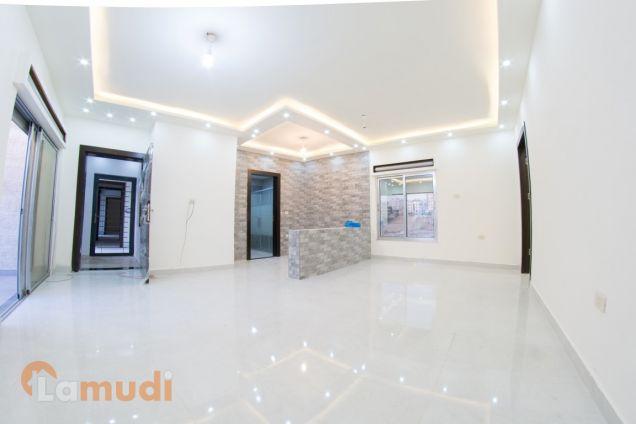شقة مع روف في عمان الغربية جديدة للبيع من المالك مباشرة