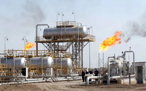 تراجع أسعار النفط 4 % على خلفية المخاوف بشأن بكورونا