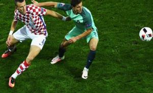 كأس أوروبا: كواريزما يقود البرتغال إلى ربع النهائي