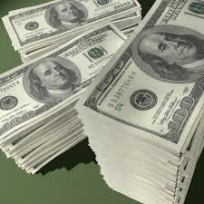 الدولار قرب ادنى مستوى له في 8 أشهر