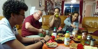 الاردنييون يلتزمون منازلهم بعد الافطار بنسبة 85%