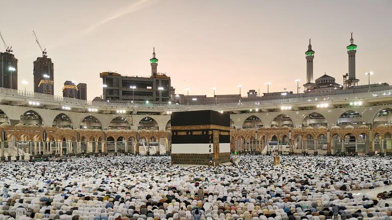 السعودية تغلق باب التسجيل للحج للأجانب