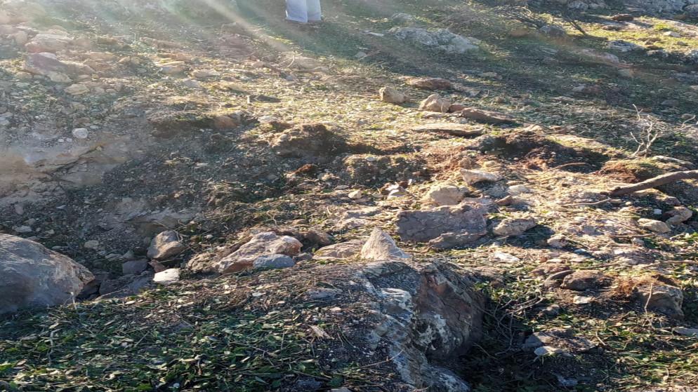 بالصور ..  سقوط شظايا صاروخية في عجلون فجر اليوم