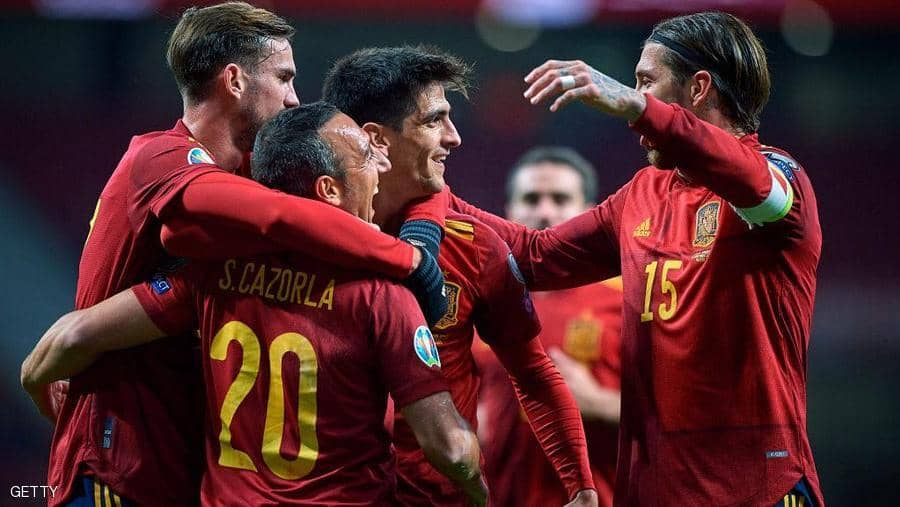 "إسبانيا تهزم رومانيا بخماسية ..  ومستقبل مورينو ""غامض"""