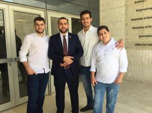 محمود المكاحله يهنئ شقيقة فراس بمناسبة عقد قرانه