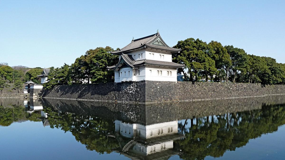 توقيف رجل حاول اقتحام القصر الإمبراطوري في اليابان