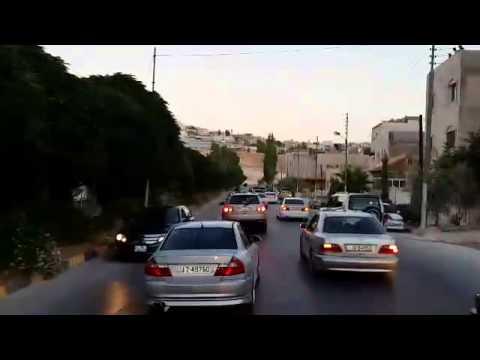 """إمام سعودي يحظر مسيرات الأفراح """"الفاردة"""" في القصيم"""