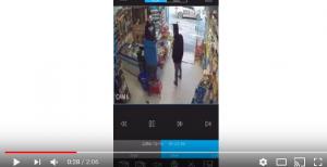 بالفيديو  .. مجهول يسطو على محل تجاري في ضاحية الرشيد