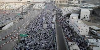 """الحجاج """"المتعجلون"""" يغادرون منى إلى مكة لطواف الوداع"""