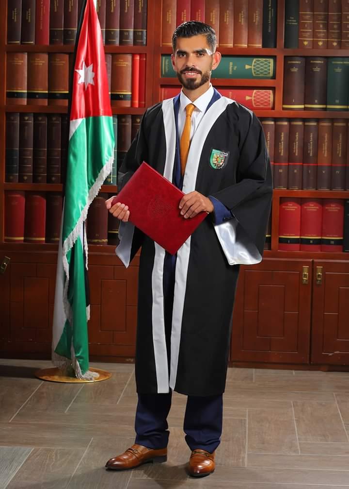 طالب علي النعيرات مبارك التخرج