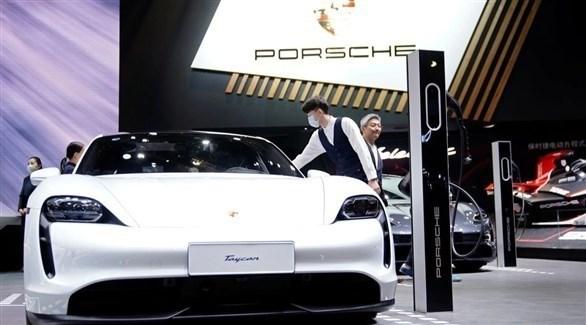 بورشه تنتج خلايا بطاريات عالية الأداء للسيارات الرياضية الكهربائية