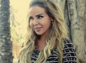 رولا سعد تشرق بين الجميلات في حفل خيري.. صور