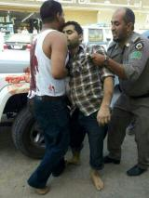 سوداني يقتل ويصيب 5 داخل مول تجاري في رابغ