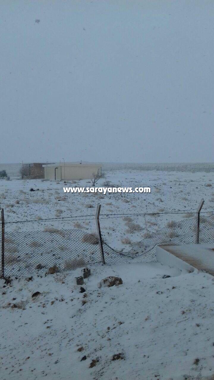 بالصور ..  المفرق: تساقط كثيف للثلوج على قضائي أم القطين ودير الكهف