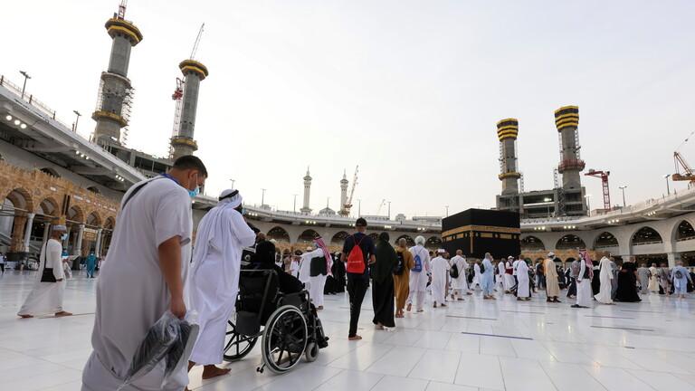 بالفيديو و الصور  ..  الحجاج يتوافدون إلى المسجد الحرام لأداء طواف الوداع