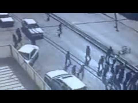 فيديو مروع : مصرع فتى دهسته مركبة إسعاف