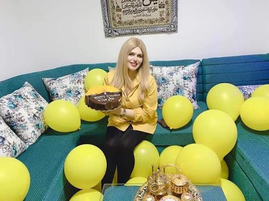 مصرية تحتفل بطلاقها بعد زواج شهر واحد