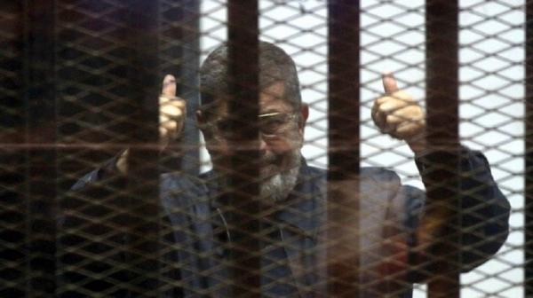 اللحظات الأخيرة لوفاة مرسي  ..  تحدث 25 دقيقة وكان منفعلا