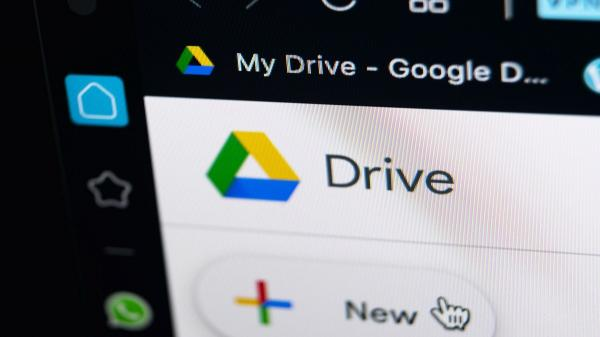 """غوغل تقرر حذف ملفات سلة مهملات """"درايف"""" تلقائيًا"""