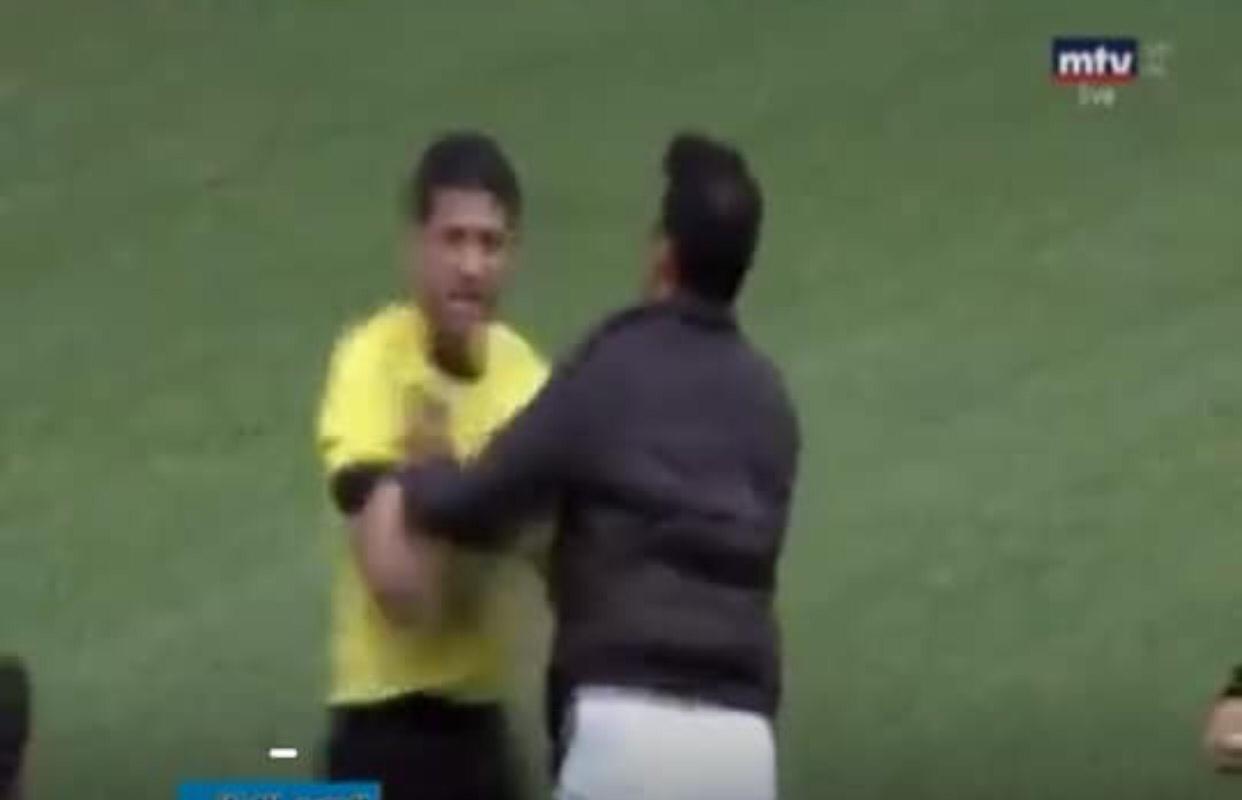 الإعتداء على الحكم الأردني أحمد يعقوب في مباراة بالدوري اللبناني