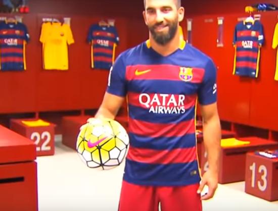 بالفيديو .. أعظم لاعبي كرة قدم لا يريد أي فريق الحصول على توقيعهم