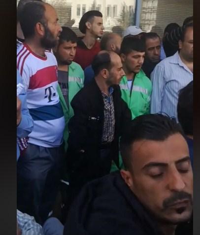 بالصور  ..  عمال الامانة يعتصمون بعد فشل المفاوضات للحصول على مطالبهم