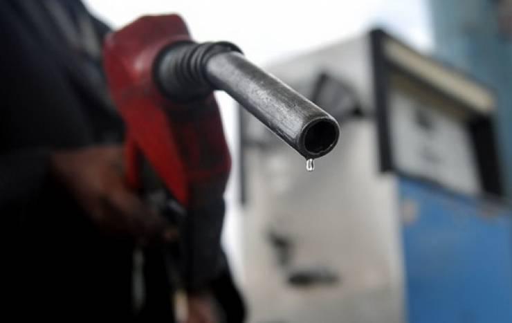 ضبط عمليات غش في خلط البنزين بالخليل