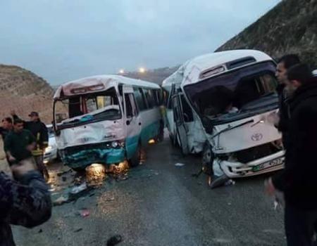 اصابة (26) شخصا بحادث تصادم بين حافلتين في منطقة الظليل