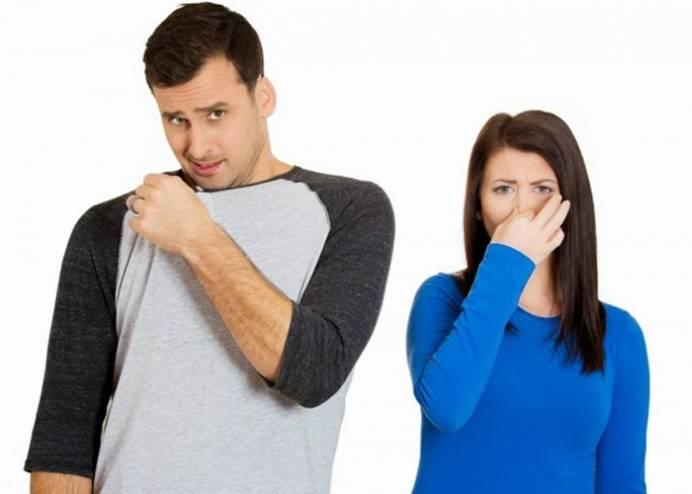 حيل بسيطة للتخلص من رائحة الجسم الكريهة