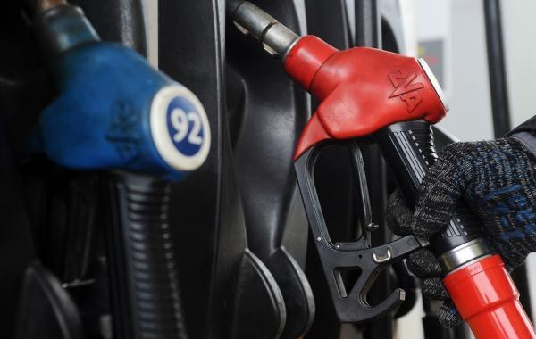 بريطانيا تفوض الجيش للتدخل بأزمة الوقود