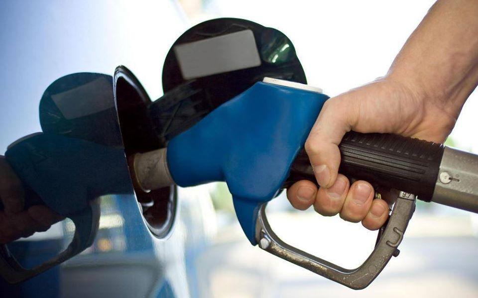 لاتملأ خزان وقود سيارتك عن آخره حتى لاتتعرض لهذه المخاطر