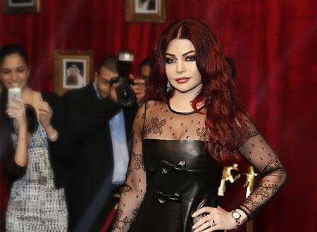هيفاء وهبي تقلد ريهانا وترتدي كوتشي وفستان أسود مثير.. صور