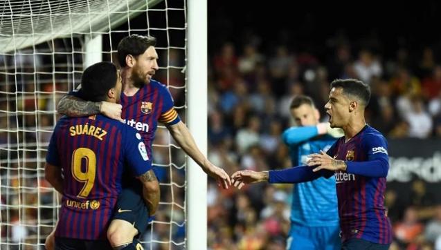 برشلونة يواصل الترنح في الليجا ويتعادل مع فالنسيا
